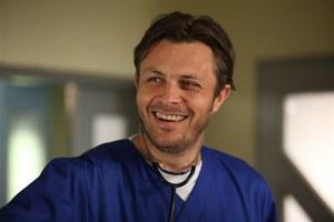 """Doktor Gawryło jest wprost uwielbiany przez fanki """"Na dobre i na złe"""" /fot  /ARTRAMA"""