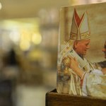 Dokumentacja cudu Jana Pawła II w Kongregacji Spraw Kanonizacyjnych