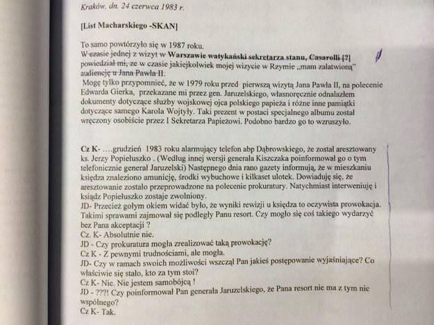 Dokumenty, znalezione w domu gen. Kiszczaka /Jacek Turczyk /PAP