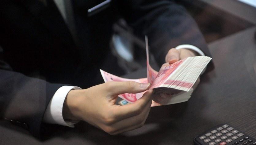 Dolar pod presją juana