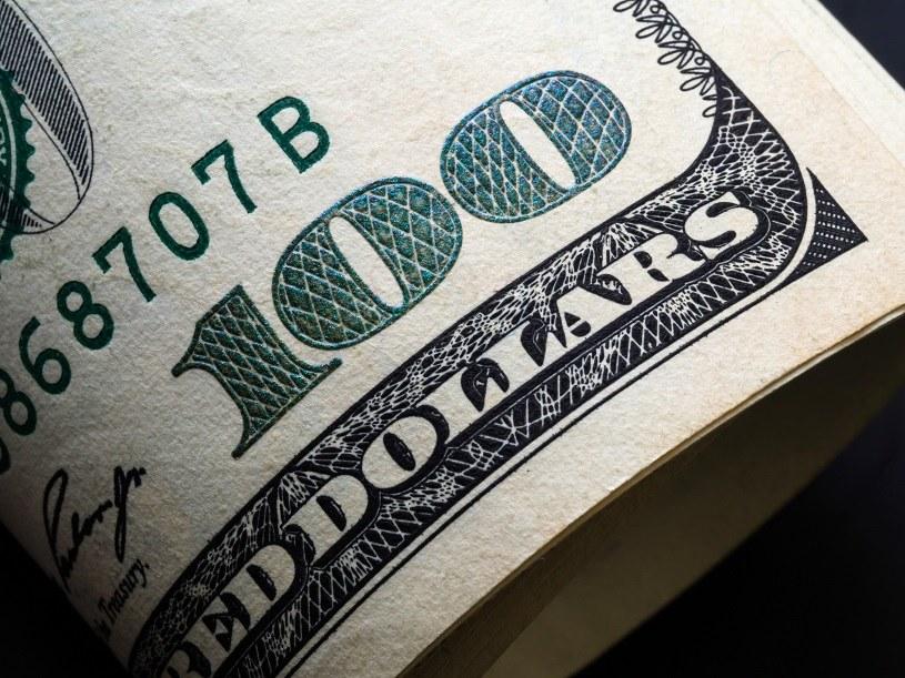 Dolar/złoty może pójść w górę /123RF/PICSEL