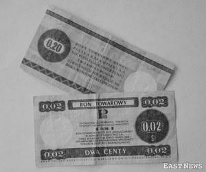 Dolary peerelu - bony towarowe PKO /Zenon Zyburtowicz /East News