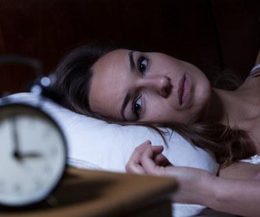 Dolegliwości podczas snu, które powinny nas zaniepokoić