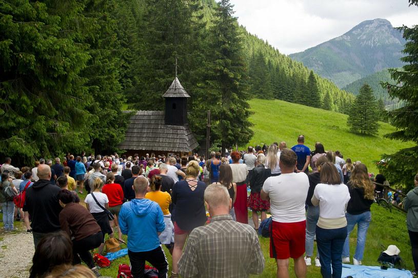 Dolina Chochołowska - plenerowa msza odpustowa w kaplicy św. Jana Chrzciciela /Stanislaw Bielski/REPORTER /East News