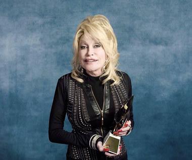 Dolly Parton napisała pierwszą powieść. Pomógł jej autor bestsellerowych kryminałów