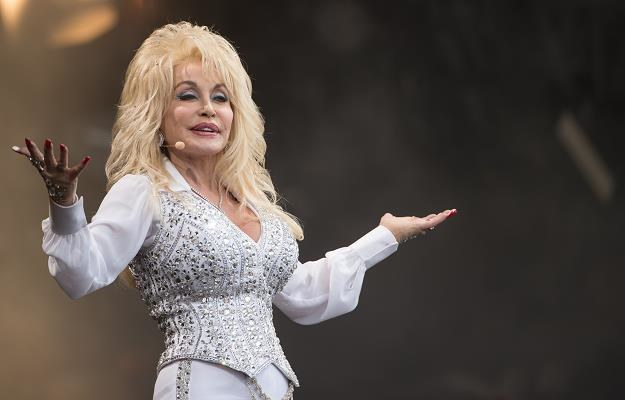 Dolly Parton podczas festiwalu Glastonbury fot. Ian Gavan /Getty Images