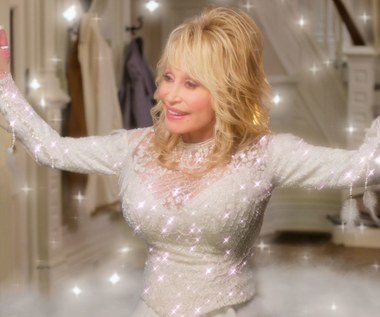 """Dolly Parton śpiewa w zwiastunie filmu """"Cudownych Świąt!"""""""