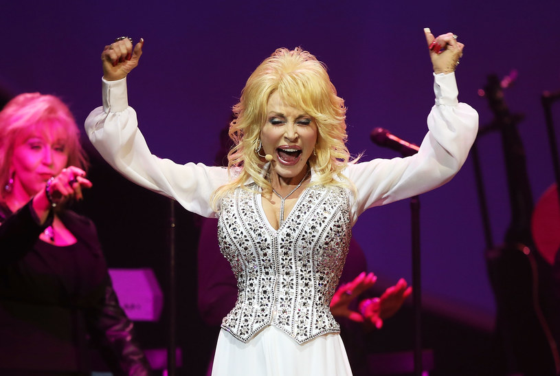 Dolly Parton /Mark Metcalfe /Getty Images