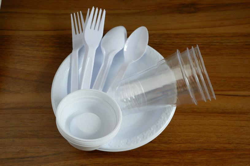 Dolnośląskie. Koniec z plastikiem na imprezach finansowanych przez region /123RF/PICSEL
