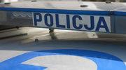 Dolnośląskie: Mężczyzna staranował blokadę i ranił policjantów