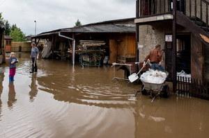 Dolnośląskie: Po intensywnych opadach podtopienia i wezbrane rzeki
