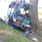 Dolnośląskie: Zderzenie autobusu z ciągnikiem, są poszkodowani