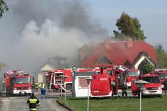 Dolny Śląsk: Płonie hala, w której produkowane są zapalniczki