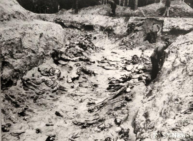 Doły śmierci w Katyniu, 1943 /Laski Collection Muzeum Katyński /East News