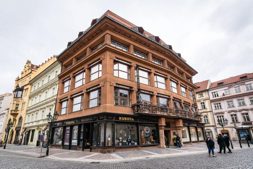 Dom Pod Czarną Marką Bożą uważany jest za arcydzieło architektury kubistycznej /123RF/PICSEL