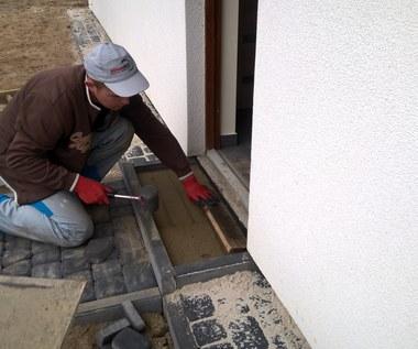 Dom w Szydłowcu już stoi. Trwają prace wykończeniowe