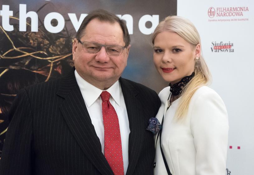 Dominika i Ryszard Kaliszowie są rodzicami Fryderyka. Oboje mają tez dzieci z poprzednich związków /Bartosz Krupa /East News
