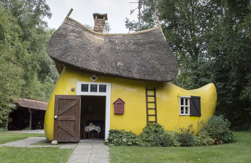 Domów w kształcie buta jest na świecie kilka. Na zdjęciu wersja holenderska /123RF/PICSEL