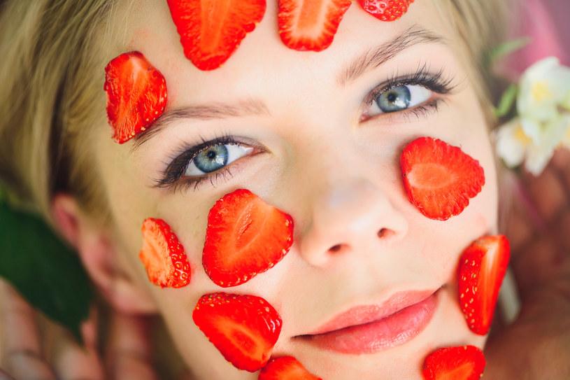 Domowa maseczka do twarzy z truskawek