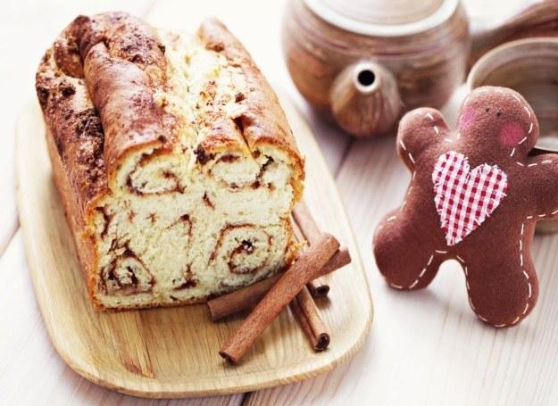 Domowe ciasto cynamonowe /123RF/PICSEL
