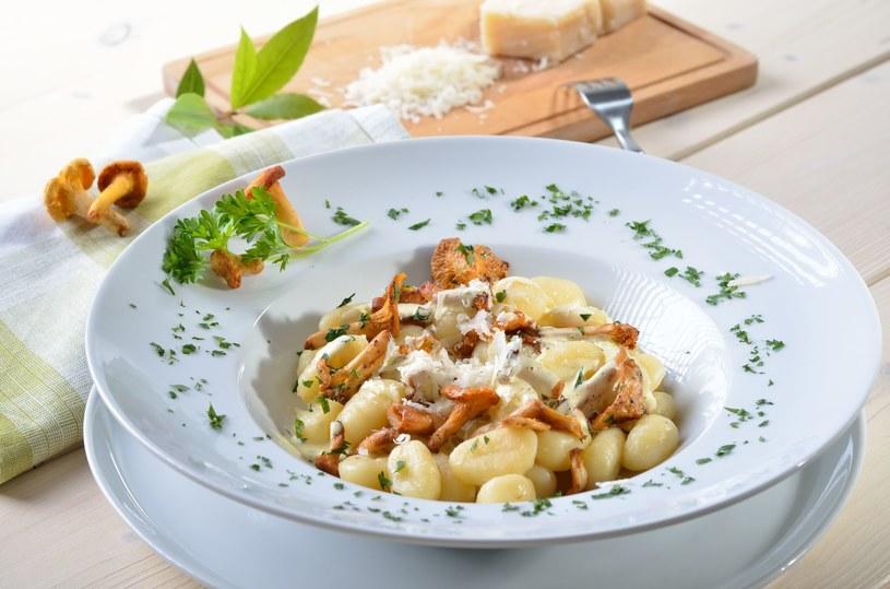 Domowe gnocchi z kurkami i parmezanem /123RF/PICSEL
