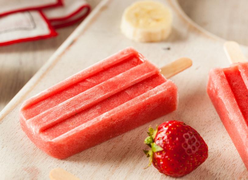 Domowe lody owocowe. Latem nic nie orzeźwia lepiej /123RF/PICSEL