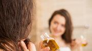 Domowe SPA: olejowanie włosów