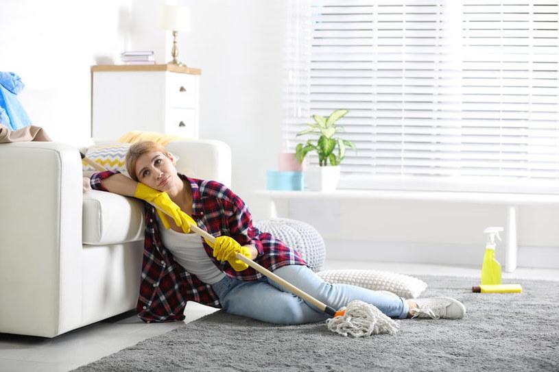 Domowe sposoby na czyszczenie plam /123RF/PICSEL