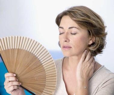 Domowe sposoby na uderzenia gorąca i bóle głowy