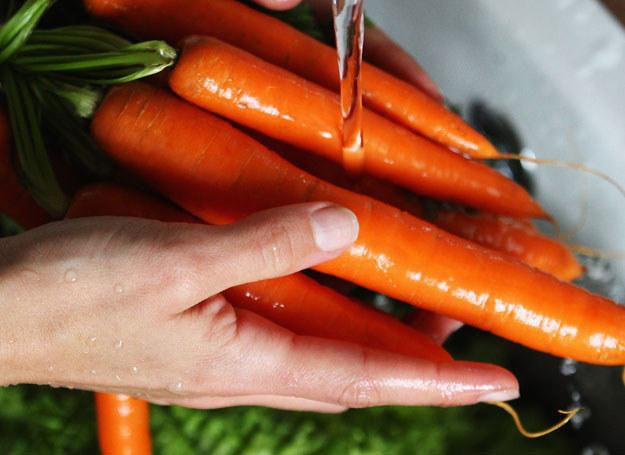 Domowe warzywa możesz wykorzystać do przygotowania maseczek /Getty Images/Flash Press Media