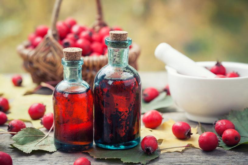 Domowe wino może pomóc w łagodzeniu objawów /123RF/PICSEL