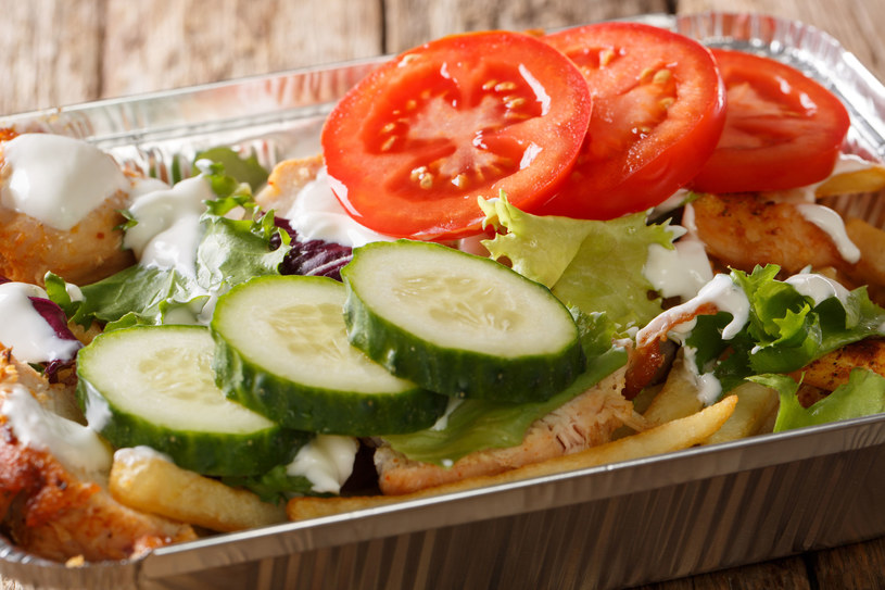 """Domowy fast-food jest zdrowszy i smaczniejszy od tego serwowanego """"na mieście"""" /123RF/PICSEL"""