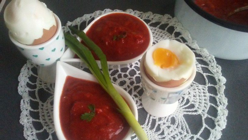 Domowy keczup pasuje m.in. do pizzy, jajek i mięs /INTERIA.PL