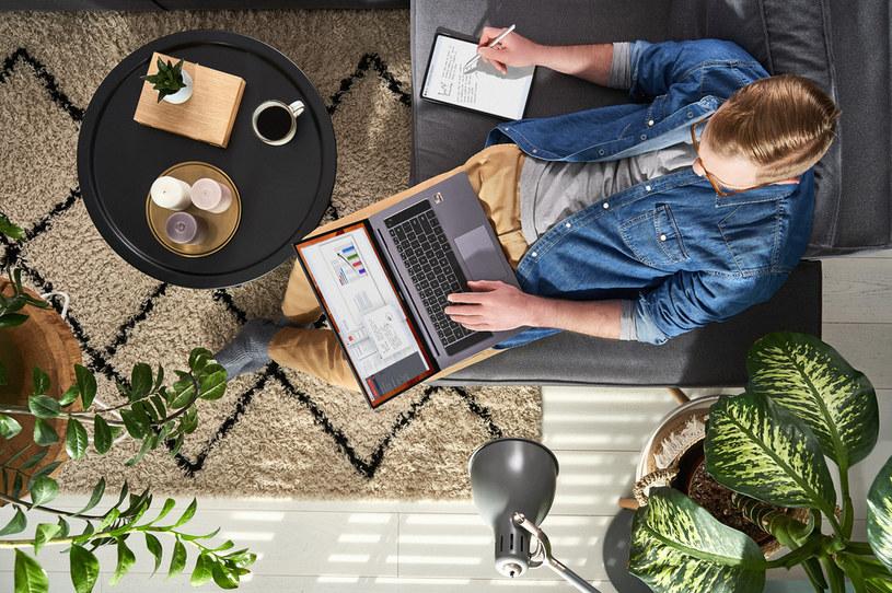 Domowy laptop powinna cechować wszechstronność i wygoda /materiały prasowe