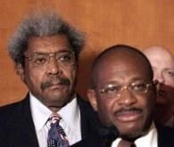 Don King (z lewej) przełożył walkę Gołoty. Tylko nie wiadomo z jakiego powodu /AFP