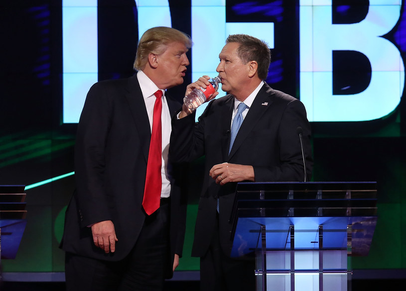 Donald Trump i John Kasich podczas debaty w 2016 roku /AFP