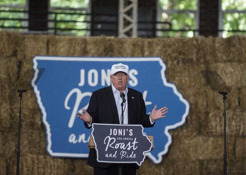 Donald Trump podczas wiecu w Des Moines w stanie Iowa /AFP