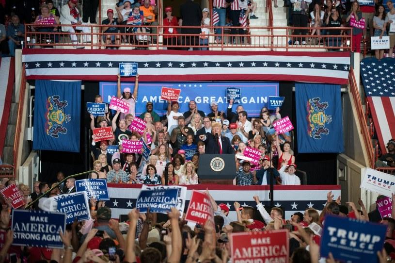 Donald Trump podczas wiecu w Harrisburgu /PAP/EPA