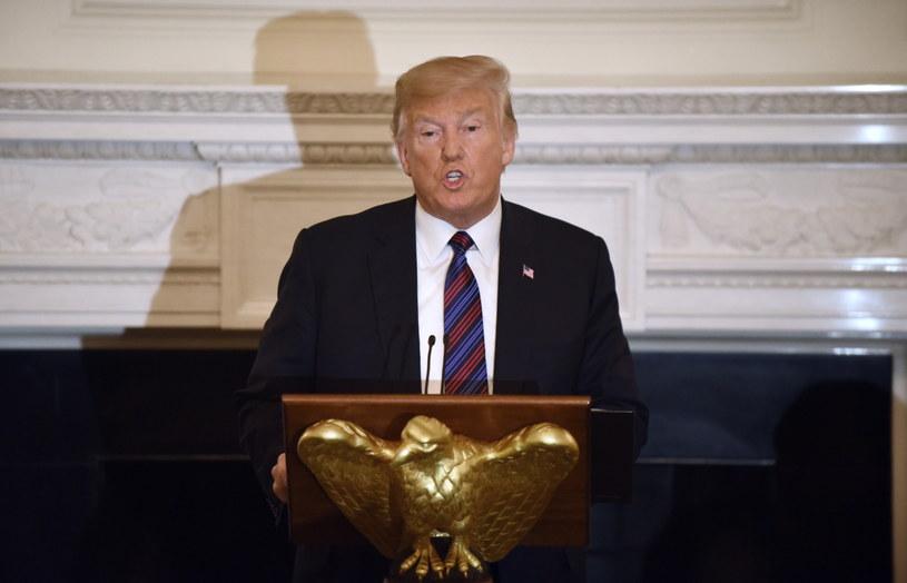 Donald Trump wspomniał o zmarłym Johnie McCainie podczas uroczystej koalicji z przywódcami Kościołów ewangelikalnych / OLIVIER DOULIERY  /PAP/EPA