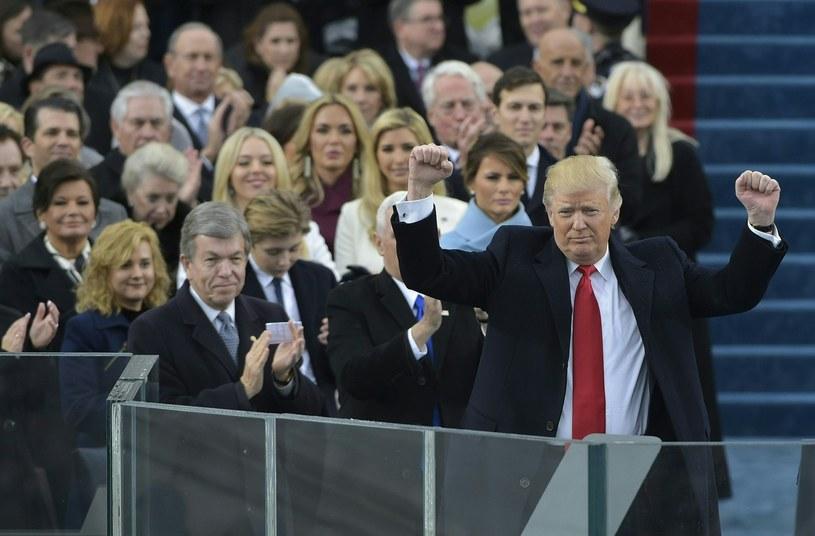 Donald Trump (z prawej) /AFP