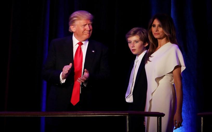 Donald Trump z żoną Melanią i synem Barronem /AFP