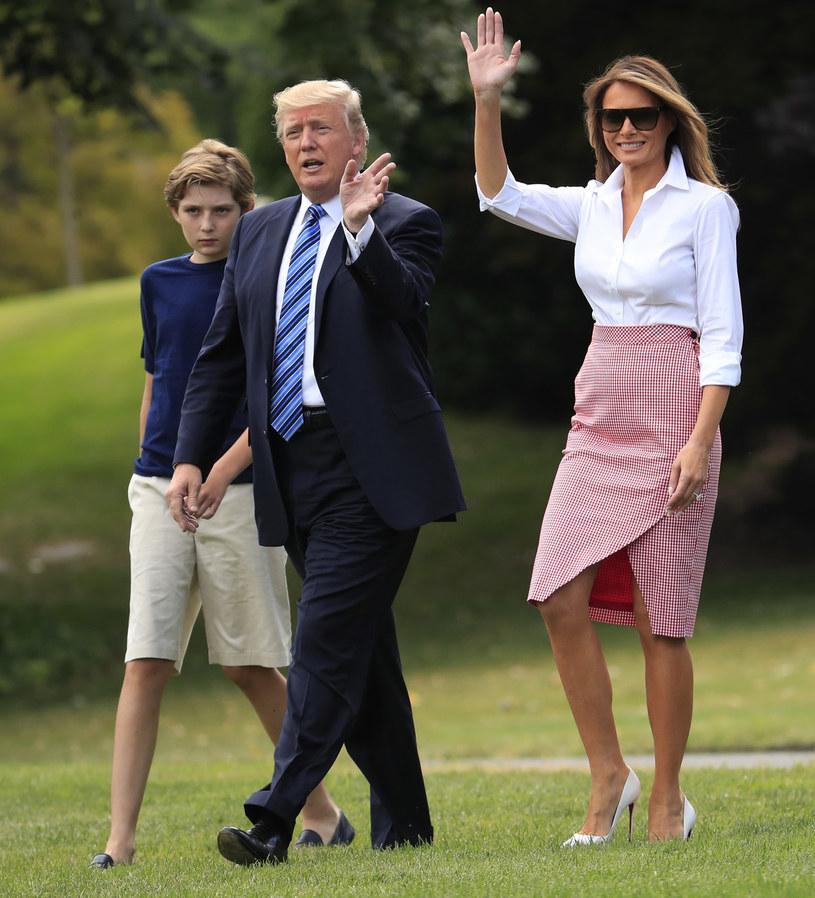 Donald Trump z żoną Melanią i synem Barronem /East News
