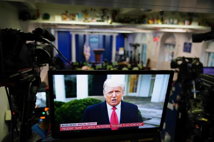 Donald Trump zaapelował do swoich zwolenników, aby opuścili Kapitol /AFP
