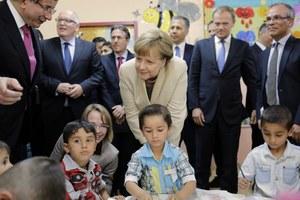Donald Tusk, Angela Merkel i Frans Timmermans odwiedzili obóz dla uchodźców