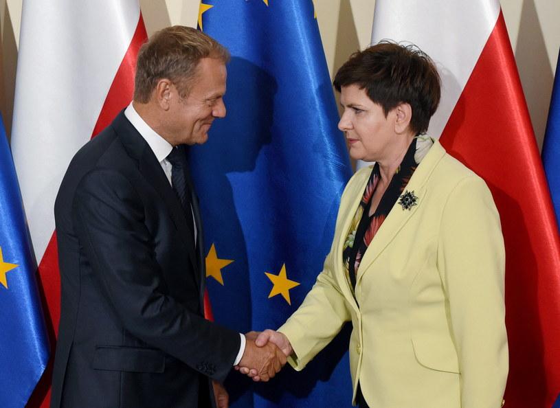 Donald Tusk i Beata Szydło /Radek Pietruszka /PAP