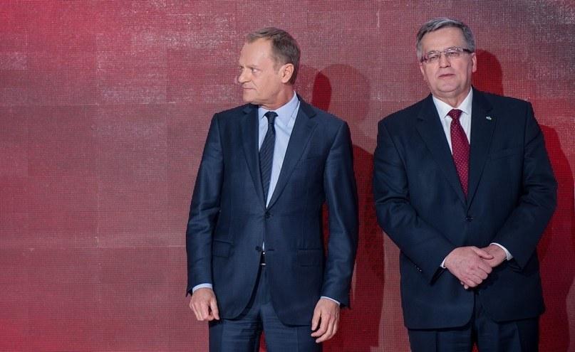 Donald Tusk i Bronislaw Komorowski /Bartosz Krupa /East News