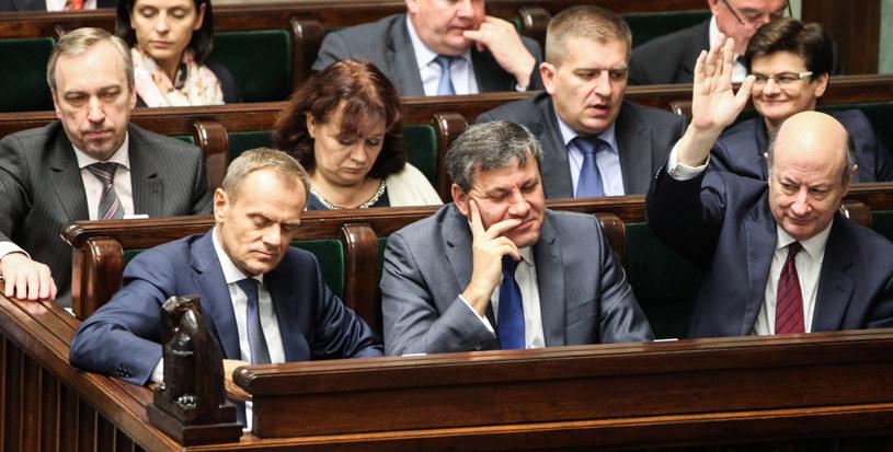 Donald Tusk i Janusz Piechociński w Sejmie /Jakub Kamiński   /PAP