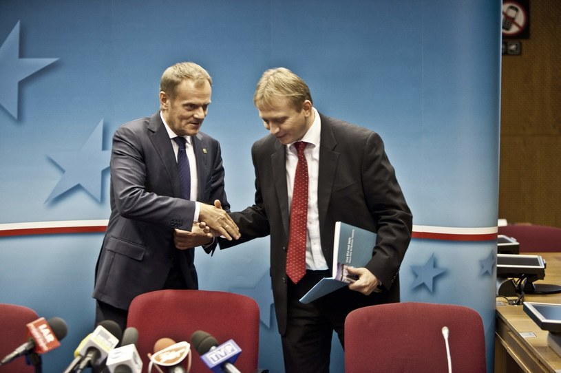 Donald Tusk i Piotr Serafin. Zdjęcie z 2013 roku /Łukasz Kobus /Agencja FORUM
