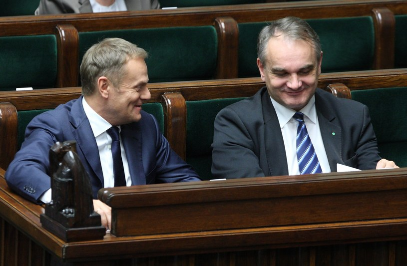 Donald Tusk i Waldemar Pawlak /Stanisław Kowalczuk /East News