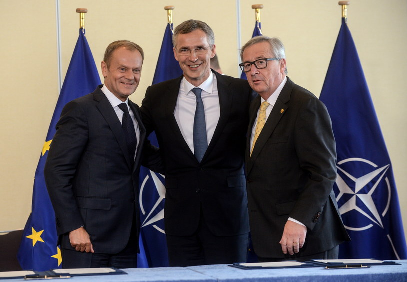 Donald Tusk, Jens Stoltenberg i Jean-Claude Juncker /Jakub Kamiński   /PAP